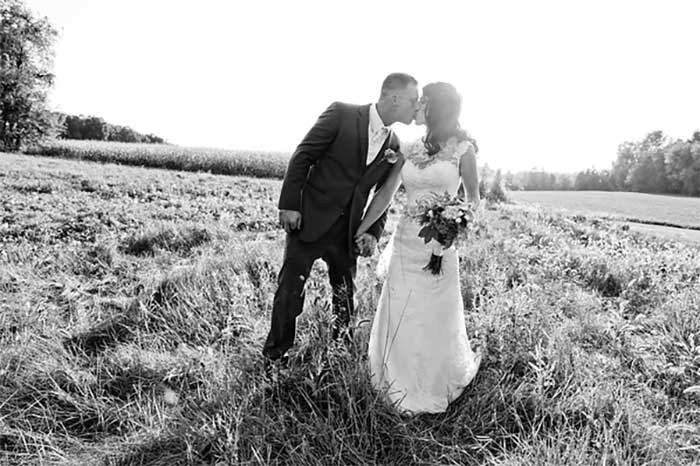 country_backyard_wedding_18